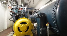 Compressor and pressure tank